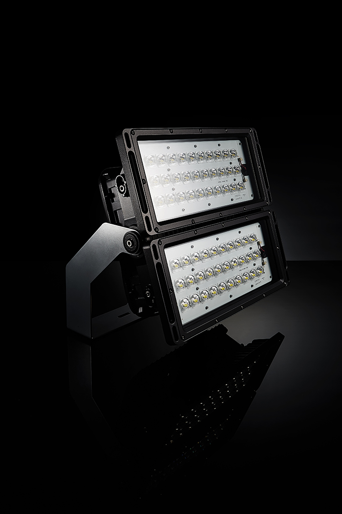 Received the grand prize in the LED/OLED Lighting Design contest exhibit (LE400) hosted by LED FORUM